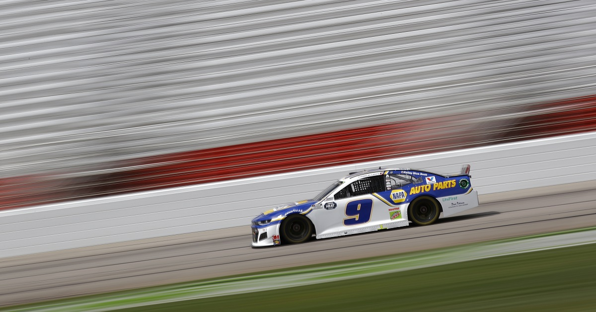HAMPTON, GEORGIA - JUNE 07: Chase Elliott, driver of the #9 NAPA Auto Parts Chevrolet, drives during the NASCAR Cup Series Folds of Honor QuikTrip 500 at Atlanta Motor Speedway on June 07, 2020 in Hampton, Georgia. (Photo by Chris Graythen/Getty Images)