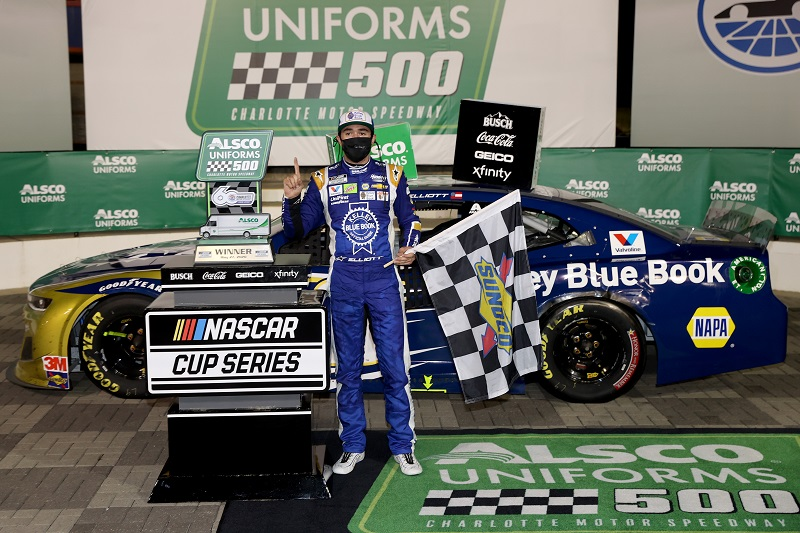 CONCORD, NORTH CAROLINA - MAY 28: Chase Elliott, driver of the #9 Kelley Blue Book Chevrolet, celebrates in Victory Lane after winning the NASCAR Cup Series Alsco Uniforms 500 at Charlotte Motor Speedway on May 28, 2020 in Concord, North Carolina. (Photo by Chris Graythen/Getty Images)