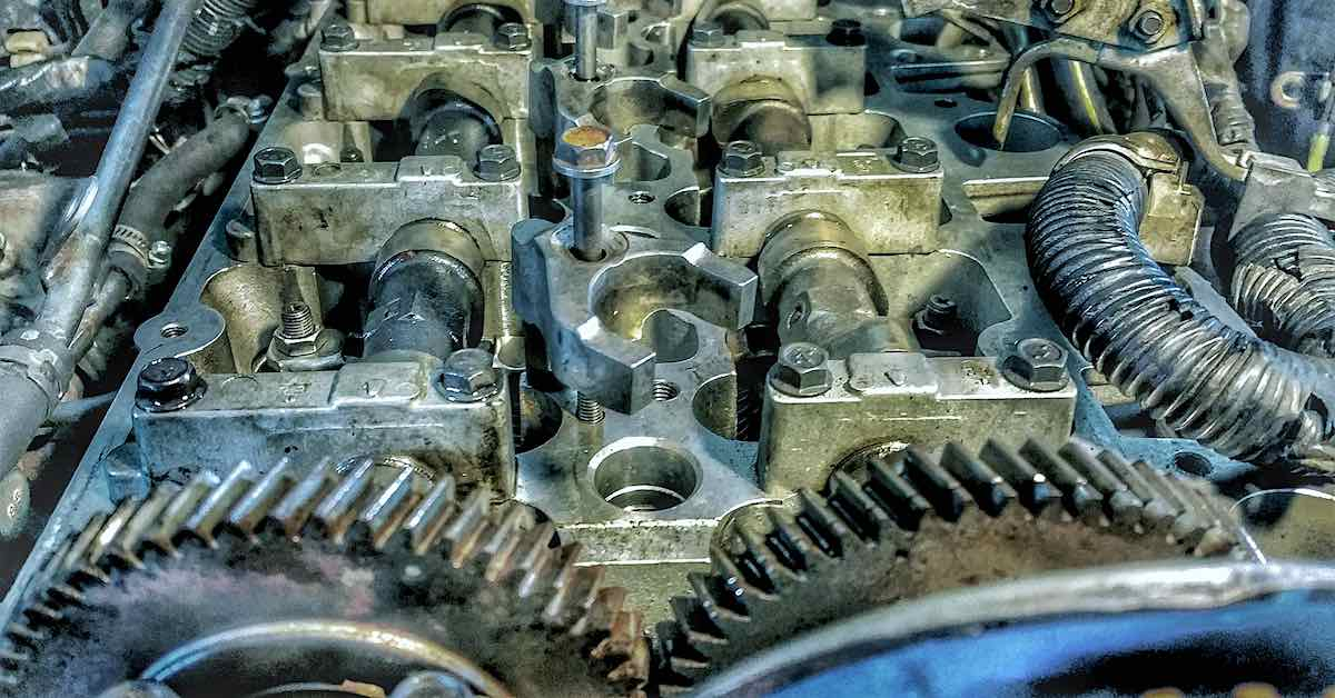 Camshafts in an engine
