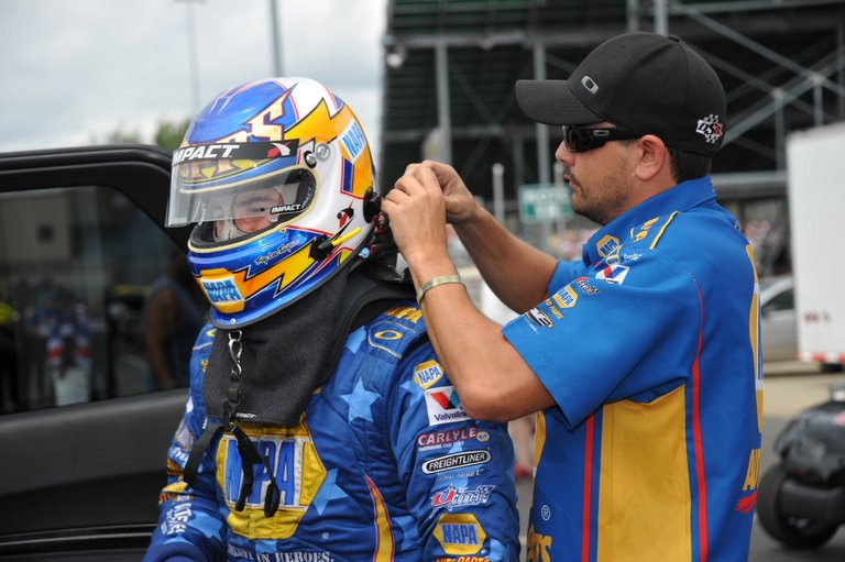 NAPA driver Ron Capps Strapping Up