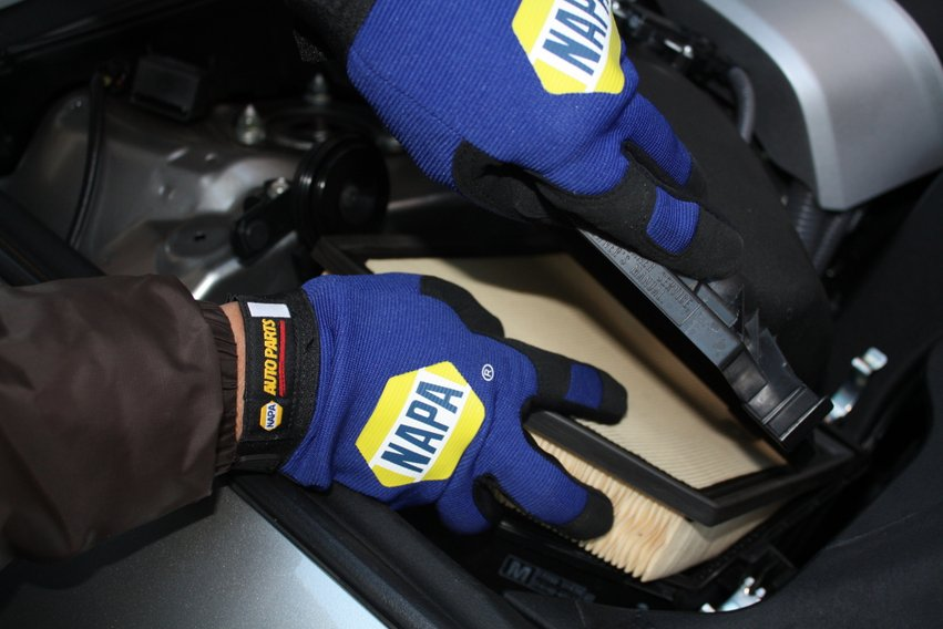 NAPA KNOW HOW road trip tips - air filter check