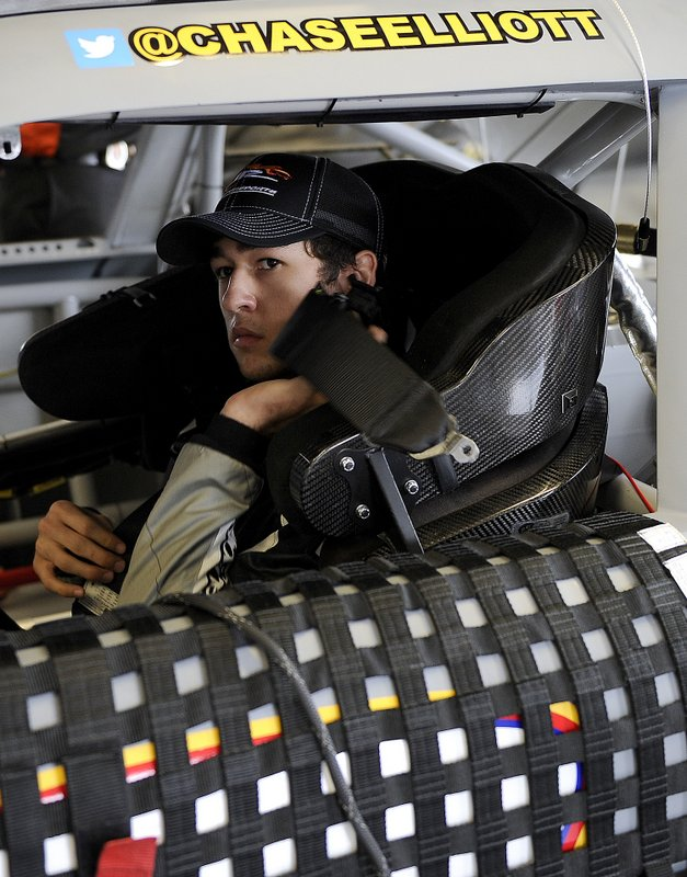 Chase Elliott straps into the No. 9 NAPA Auto Parts Chevrolet during Daytona Testing 2014