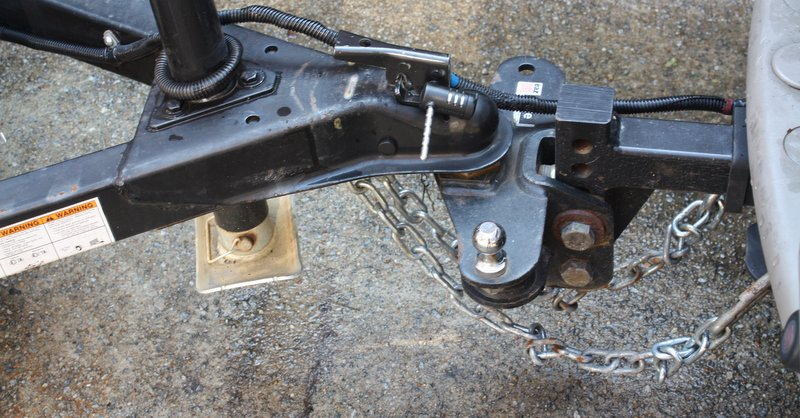 safe towing tips NAPA KNOW HOW hitch coupler