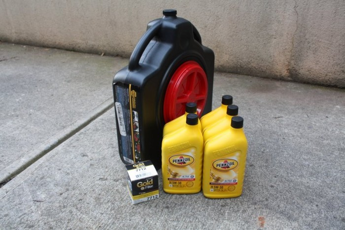 skipping an oil change - NAPA Know How Blog_supplies
