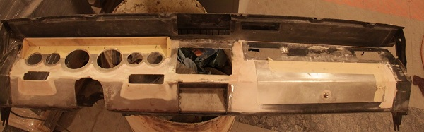 The dash was heavily modified, even the glove box door was hand-fabricated.
