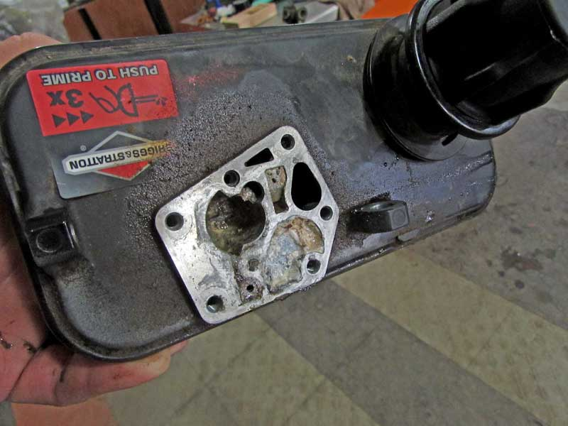 A lot of build up from the ethanol fuel had accumulated inside the carb.