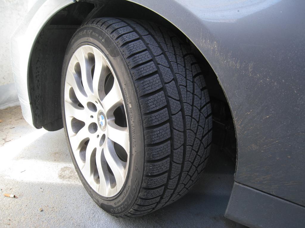 BMW tire tread