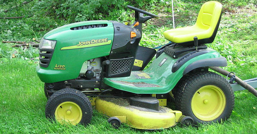 What's the Best Time to Mow Your Lawn?