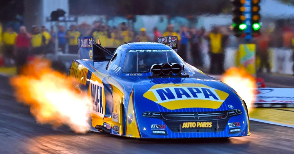 Ron-Capps-NAPA-AUTO-PARTS-Dodge-Charger-Funny-Car-NHRA-Countdown-Midwest-Nats-Flames