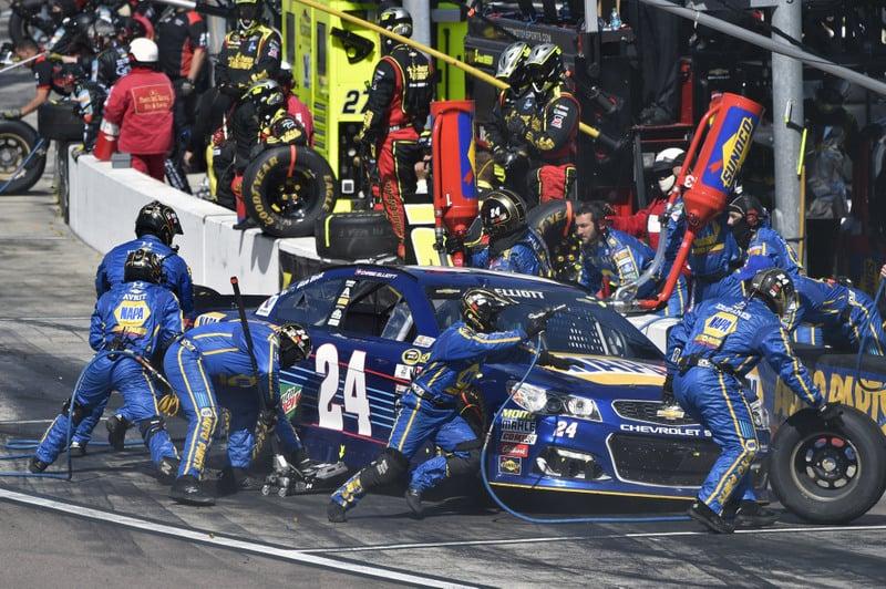 2016 NASCAR Sprint Cup Series, Phoenix