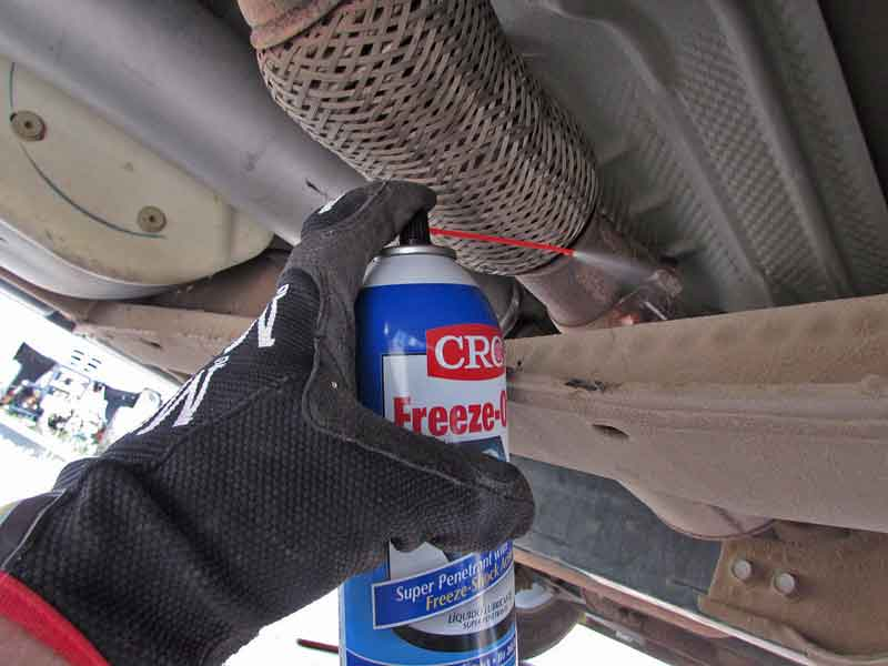 """We sprayed the clamp with some<a href=""""https://www.napacanada.com/en/p/CRL75222"""" target=""""_blank"""" rel=""""noopener noreferrer""""> CRC Freeze-Off</a> to break it loose."""