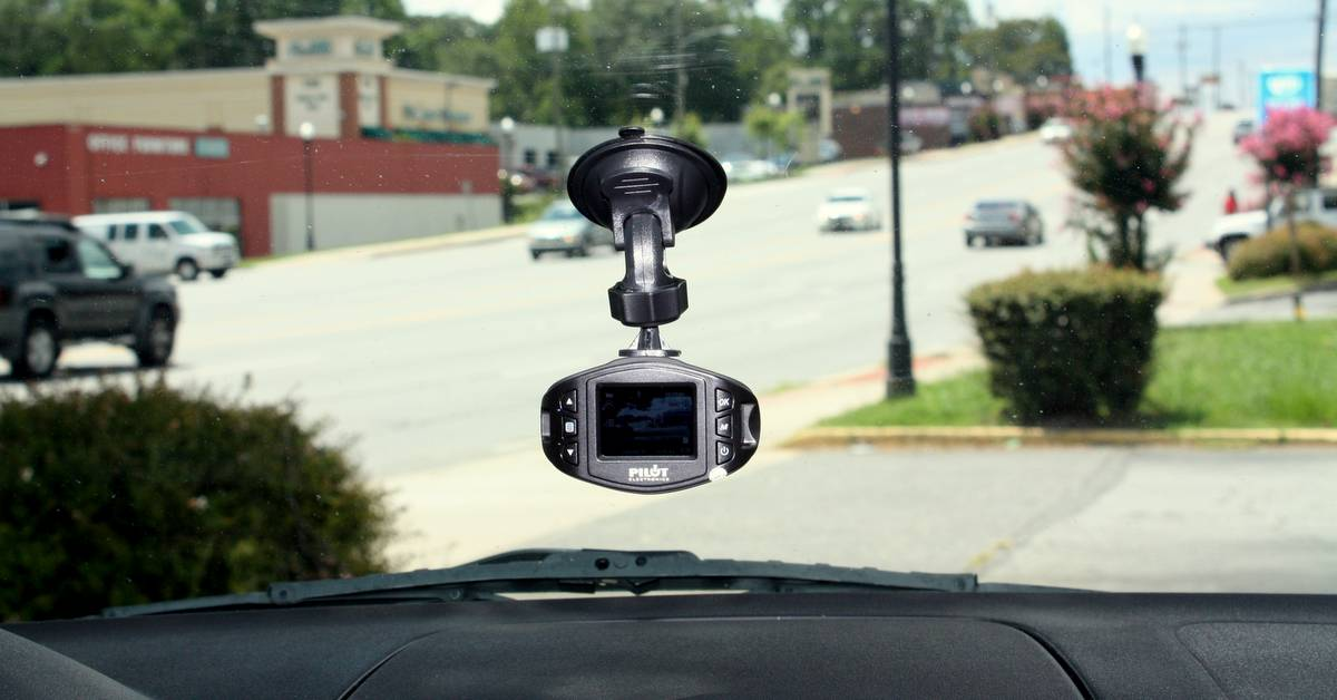 dash cam CL 3005 Pilot NAPA AUTO PARTS safe driving teen drivers traffic mount