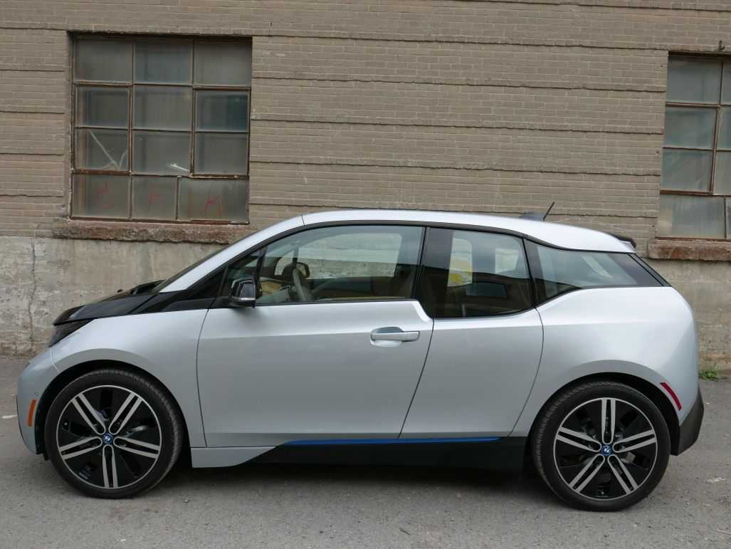 BMW i3 EV will need an Electric Car Charger Station