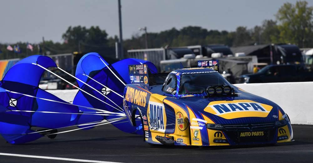 NAPA-AUTO-PARTS-NHRA-Funny-Car-Ron-Capps-US-Nationals-2016-Chutes