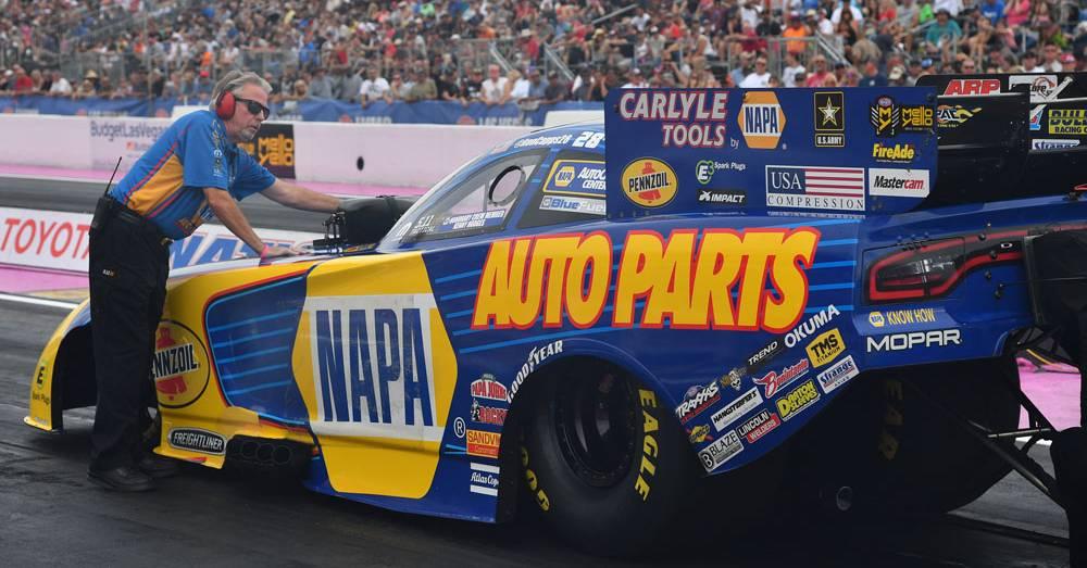 Ron-Capps-NAPA-AUTO-PARTS-Dodge-funny-car-NHRA-Las-Vegas-2016-Rahn-Tobler