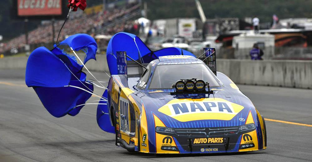 Ron-Capps-NAPA-Funny-Car-Team-2016-Reading-NHRA-Countdown-Dallas-preview