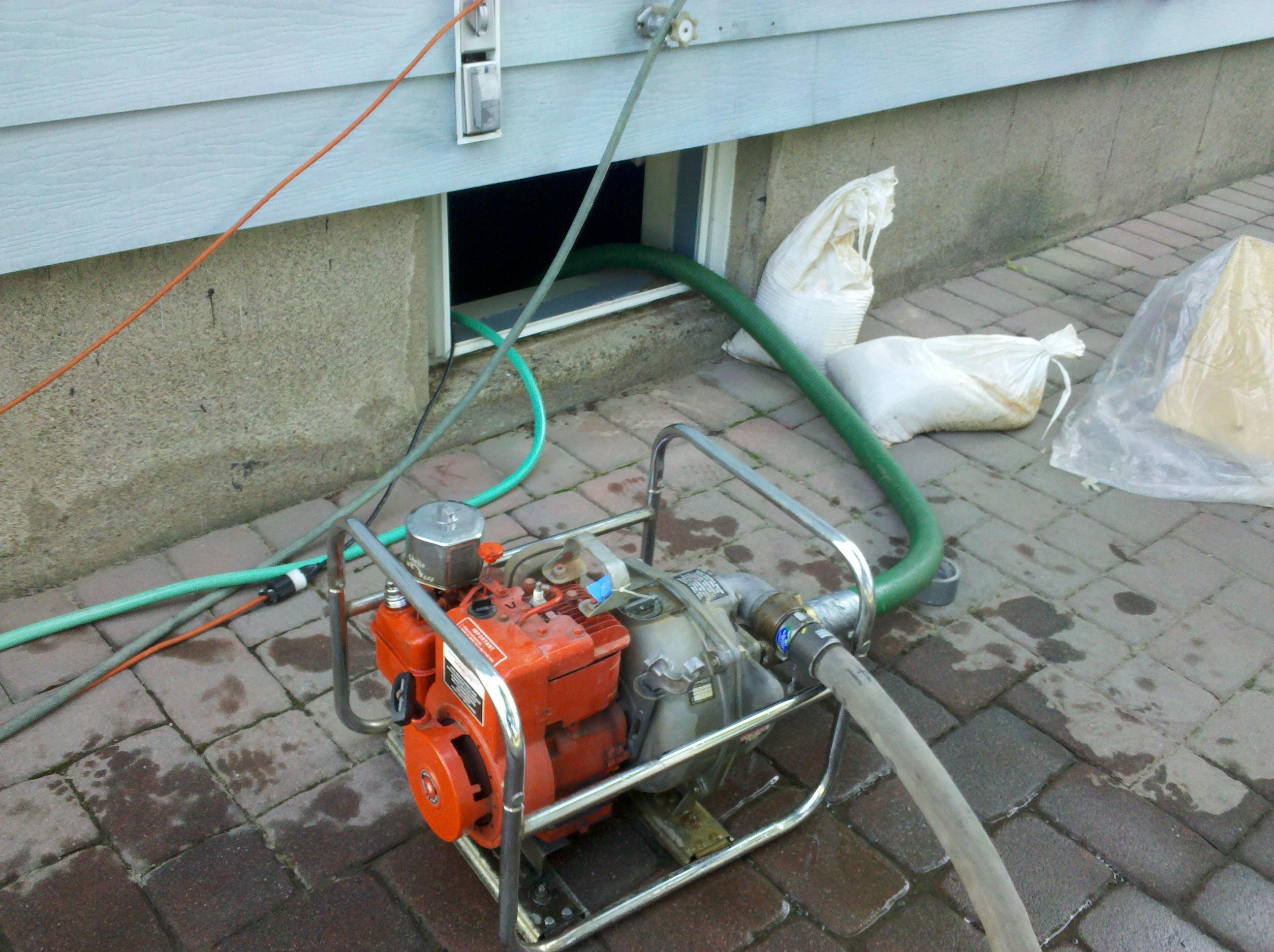 Flood pump