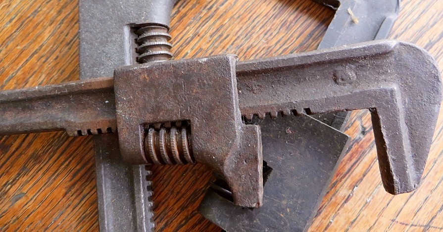 HOW TO FIGHT RUST ON CAR TOOLS