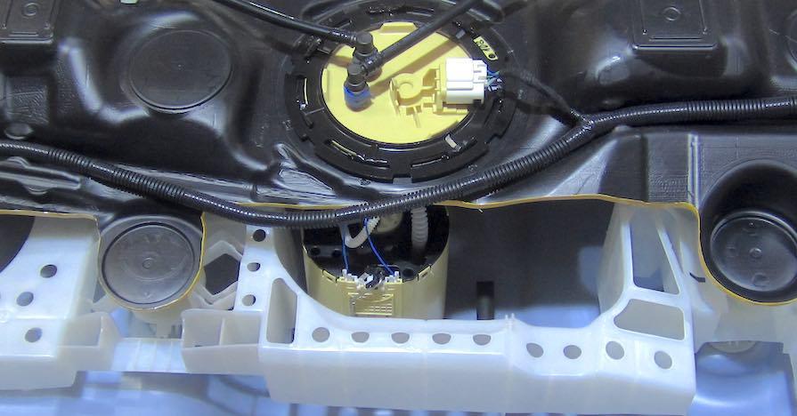 Automobile_Fuel_tank_cutaway