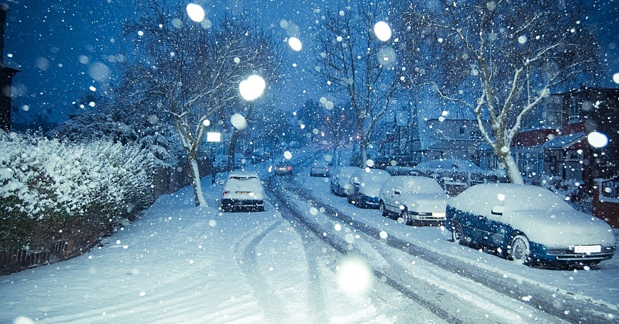 Winter driving conditions in extreme weather