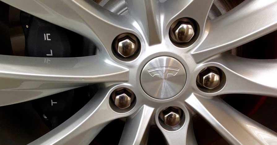 Tesla wheel and mechanical brake