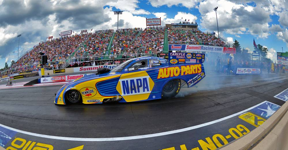 Ron-Capps-Norwalk-NHRA-2017-NAPA-AUTO-PARTS-Funny-Car-panoramic.j