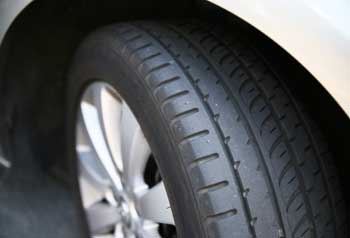 Summer Tire Pressure: Quick Tips to Keep you Rolling Along