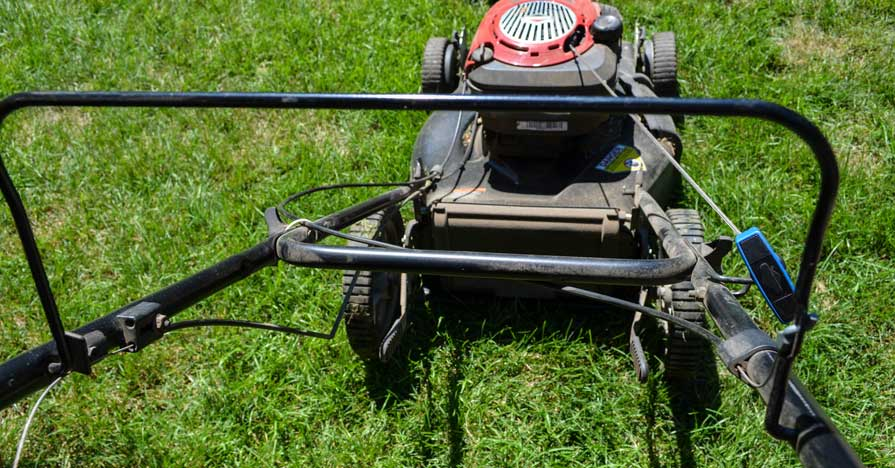 Pull start lawn mower