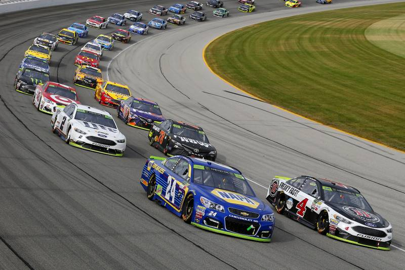 Monster Energy NASCAR Cup Series Tales of the Turtles 400 Chicagoland Speedway, Joliet, IL USA Sunday 17 September 2017 Kevin Harvick, Stewart-Haas Racing, Jimmy John's Ford Fusion and Chase Elliott, Hendrick Motorsports, NAPA Brakes Chevrolet SS World Copyright: Russell LaBounty NKP