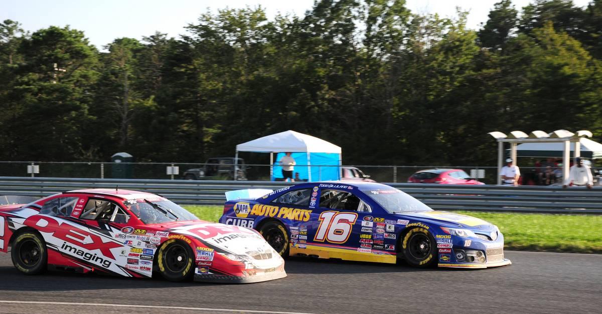 Todd-Gilliland-New-Jersey-MP-2017-NASCAR-KN-East-NAPA-Toyota-racing-Burton.