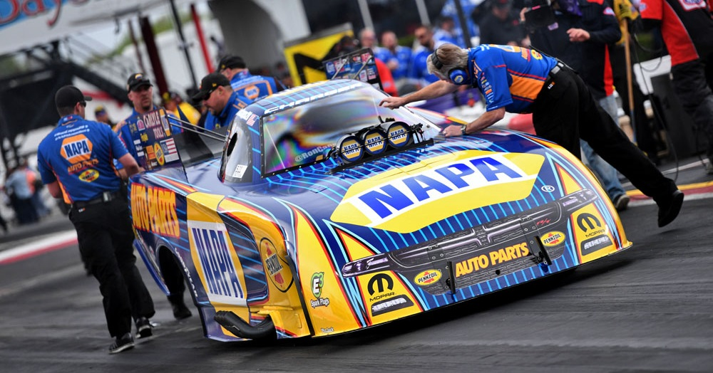Ron-Capps-NAPA-AUTO-PARTS-funny-car-NHRA-SpringNats-lining-up