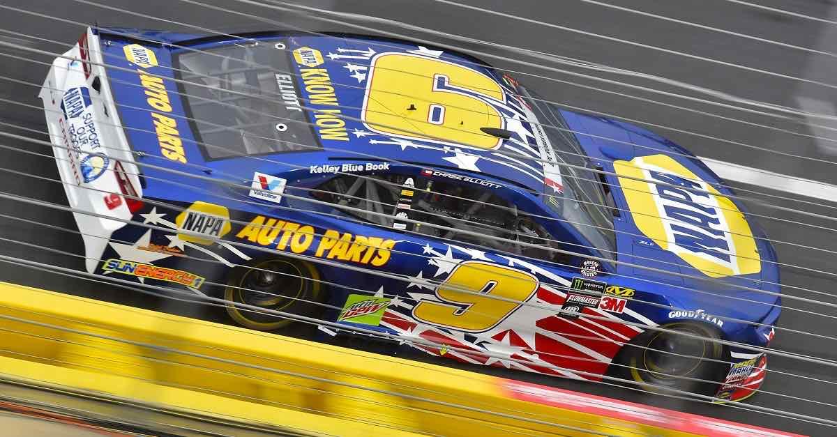 #9: Chase Elliott, Hendrick Motorsports, Chevrolet Camaro NAPA AUTO PARTS Patriotic