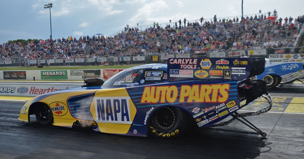 Ron-Capps-NAPA-AUTO-PARTS-Funny-Car-NHRA-Heartland-Nationals-2018-launch