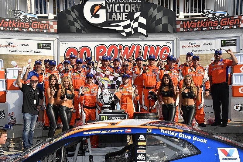 #9: Chase Elliott, Hendrick Motorsports, Chevrolet Camaro SunEnergy1 wins