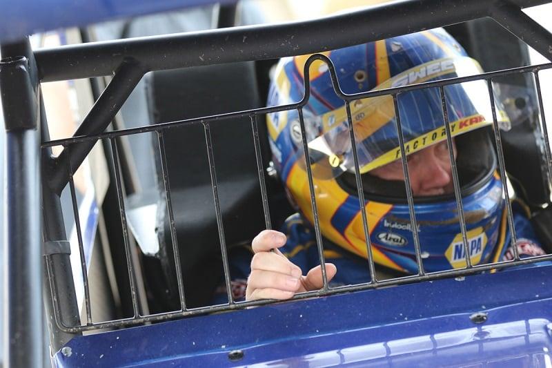 Brad Sweet NAPA AUTO PARTS 49 Outlaws sprint car Eldora office