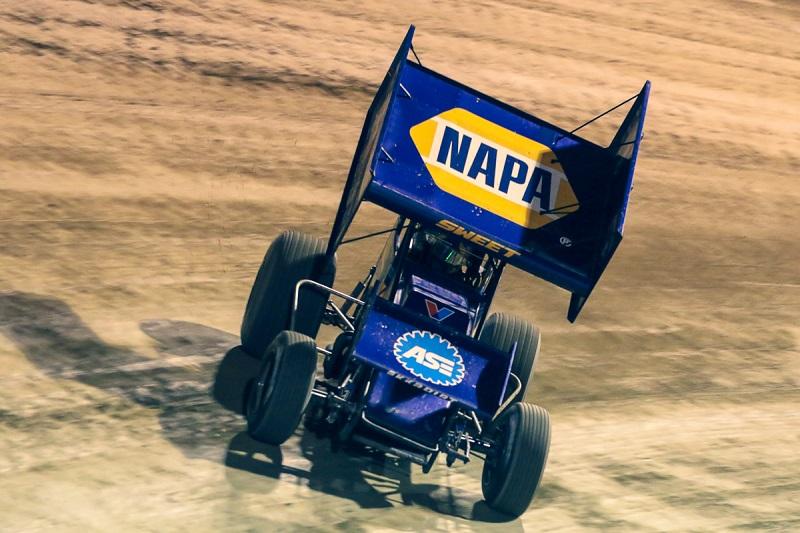 Brad Sweet NAPA AUTO PARTS 49 Outlaws sprint car Eldora slide