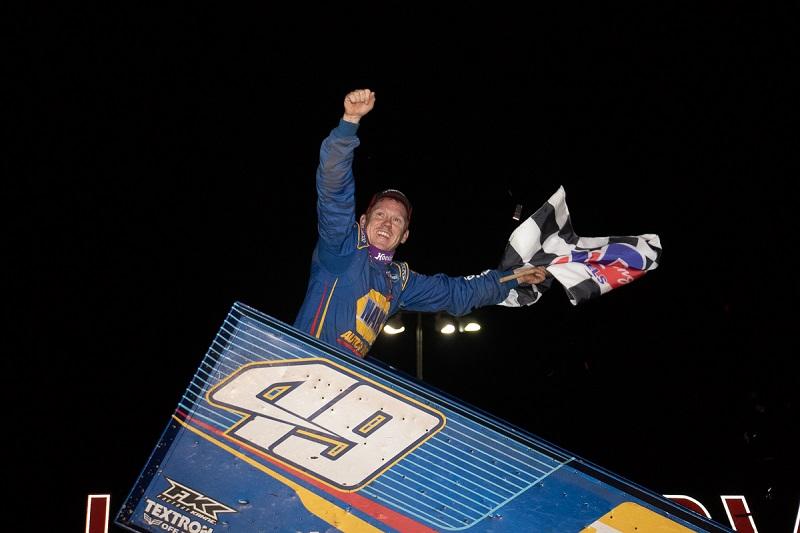 Brad Sweet NAPA AUTO PARTS 49 Outlaws sprint car Lernerville winner celebration