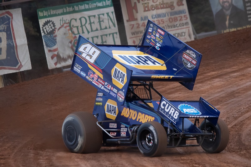 Brad Sweet NAPA AUTO PARTS 49 Outlaws sprint car Lernerville winner off turn