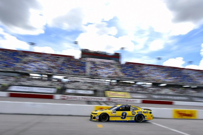 #9: Chase Elliott, Hendrick Motorsports, Chevrolet Camaro NAPA Throwback