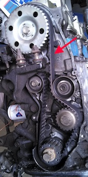 This timing belt is lightweight and quiet, but the oil residue could shorten its lifespan.