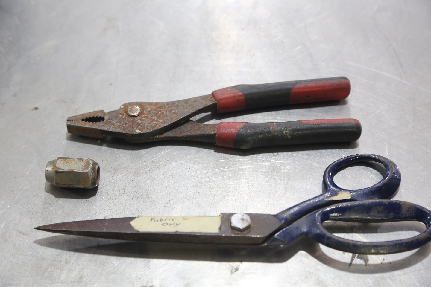 When you have rusty tools and parts, their performance is reduced. Pliers stick, and scissors leave rust dust all over upholstery. Time to fix it.