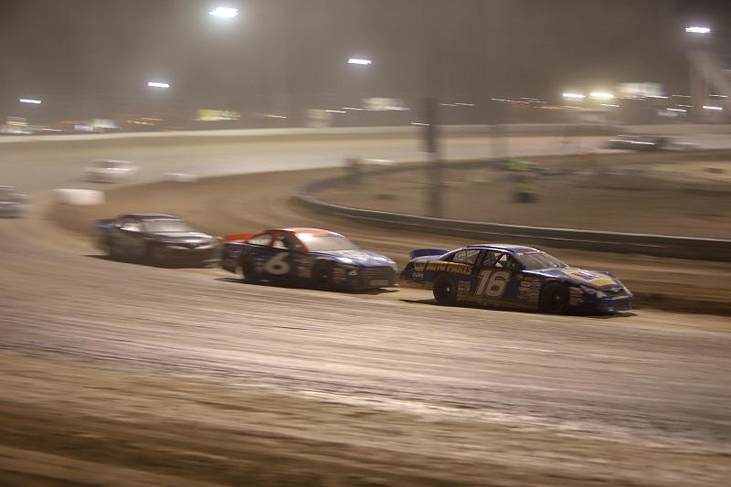 Derek Kraus NAPA AUTO PARTS 16 KN West Las Vegas Dirt Track leading 6
