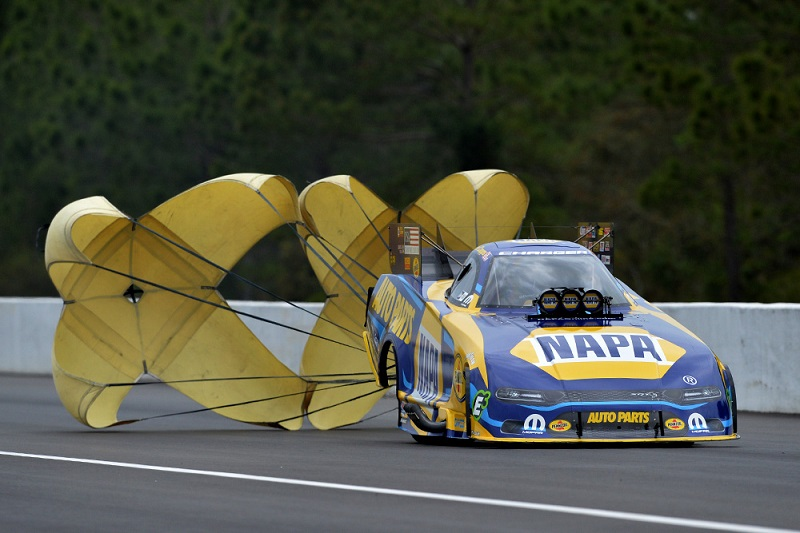 Ron Capps NAPA AUTO PARTS 2019 50th Gatornationals NHRA funny car chutes