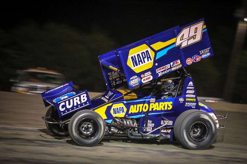 Brad-Sweet-Outlaws-points-lead-NAPA-AUTO-PARTS-49-sprint-car-feature