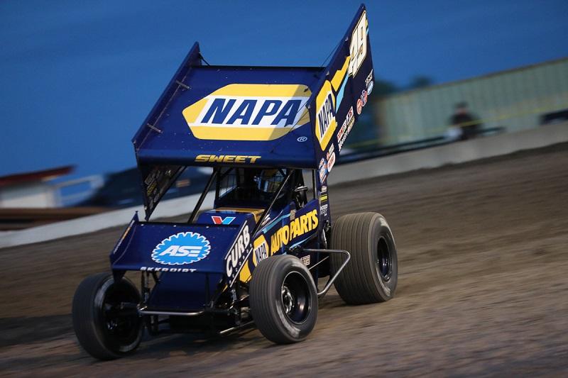 Brad-Sweet-Outlaws-points-lead-NAPA-AUTO-PARTS-49-sprint-car-heat-slide