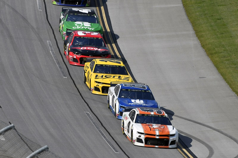 #9: Chase Elliott, Hendrick Motorsports, Chevrolet Camaro Mountain Dew / Little Caesar's and #88: Alex Bowman, Hendrick Motorsports, Chevrolet Camaro Nationwide