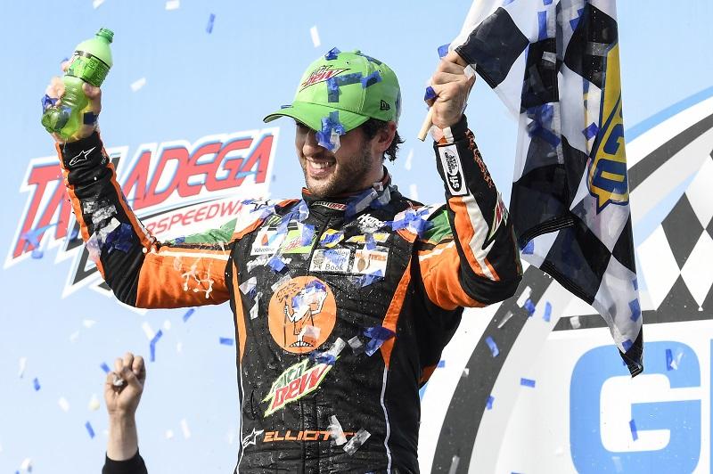 #9: Chase Elliott, Hendrick Motorsports, Chevrolet Camaro Mountain Dew / Little CaesarÕs, celebrates after winning at Talladega