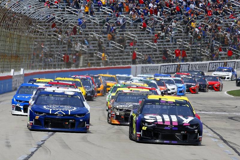 #48: Jimmie Johnson, Hendrick Motorsports, Chevrolet Camaro Ally and #9: Chase Elliott, Hendrick Motorsports, Chevrolet Camaro Kelley Blue Book