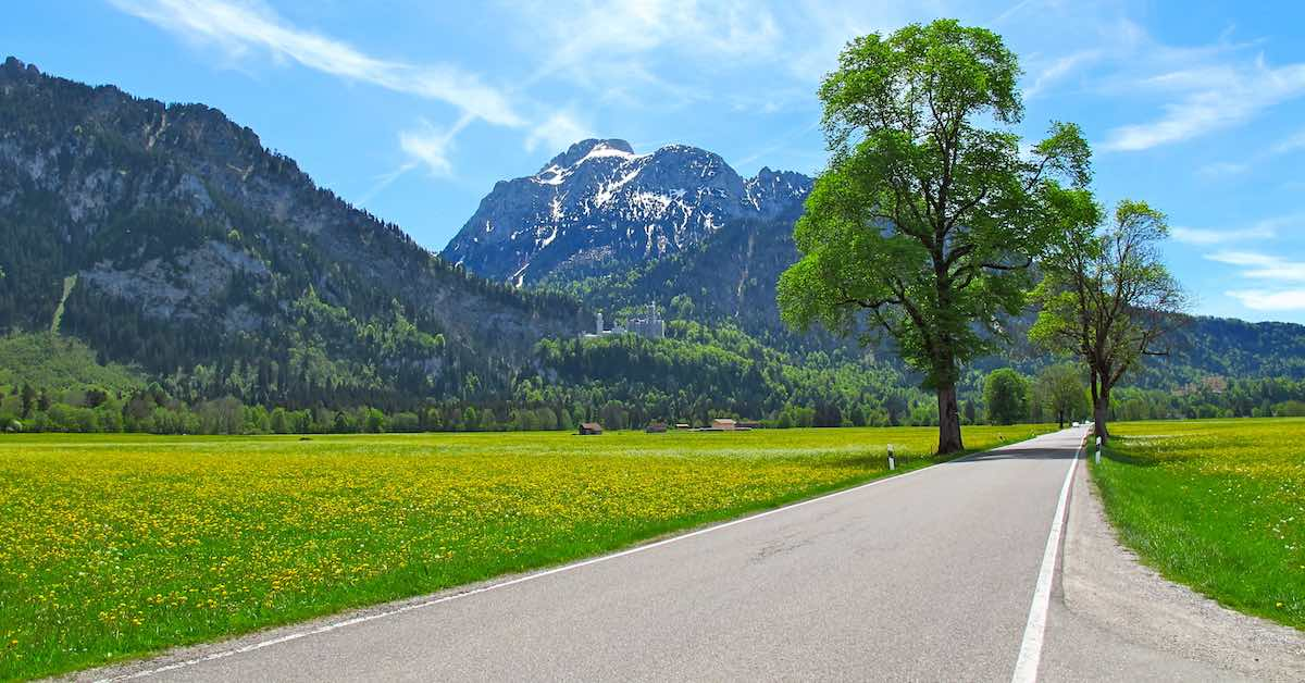 An open road on a sunny day. Spring brings warm weather, which is great for going on a joy ride and for completing car maintenance. Here are some maintenance items you should tackle to enjoy spring to the fullest.