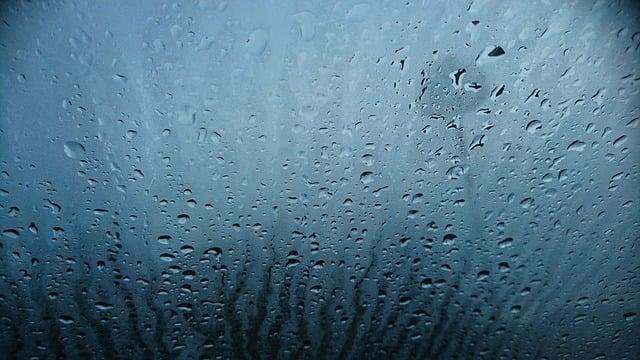https://pixabay.com/photos/water-drops-car-window-water-rain-2873925/